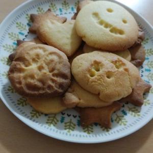 家族でクッキー作りました!