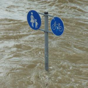 熱海市伊豆山の土石流、沼津の黄瀬川の氾濫の画像と映像まとめ