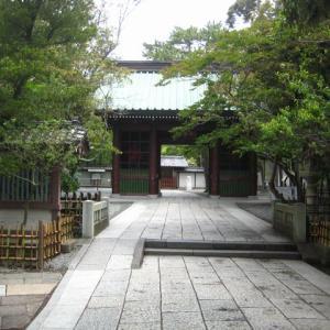鎌倉大仏、美男におはす
