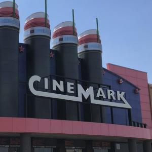 映画館シネマーク(Cinemark)と『ナイブズ・アウト(Knives Out) 』米国発レビュー