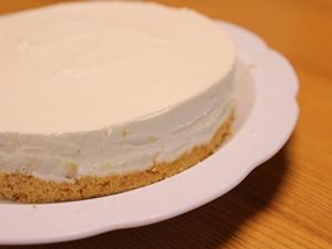 牛乳パックでレアチーズケーキ作り
