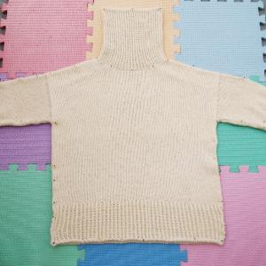 Wednesday Sweater ~進捗状況4~ ブロッキングして乾燥中!