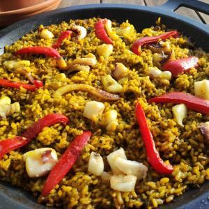 【スペイン料理】失敗したアロスネグロ、からのシーフードパエリアへ変身