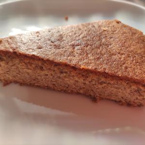 【チェスナット 栗粉のケーキ】