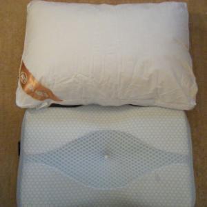 快眠枕 高級ホテル仕様(AYO) と新世代 低反発枕(MyeFoam)どっちも購入した感想