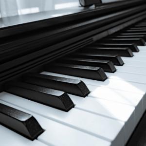ピアノ一括無料査定、引越侍。運営会社の株式会社エイチーム引越し侍とは