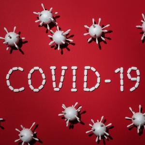 第一次パンデミック時におけるCOVID-19入院患者の細菌感染症の併発、二次感染、抗菌薬使用状況(ISARIC WHO CCP-UK試験; Lancet Microbe. 2021)