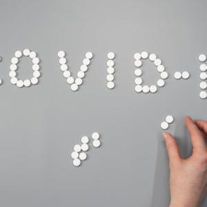 中等症のCOVID-19に対するアビガン®の有効性・安全性はどのくらい?(RCT; Infect Dis Ther.2021)