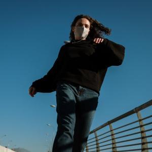 成人のピーク運動時におけるN95または布製マスク着用は安全か?(ランダム化クロスオーバー試験; JAMA Netw Open.2021)