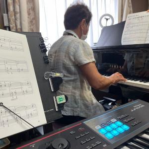 70歳台生徒さん大人のピアノレッスン「川の流れのように」