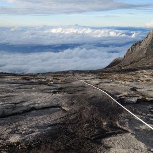 【東南アジア最高峰に登る②】世界遺産キナバル山4000m1泊2日登頂!