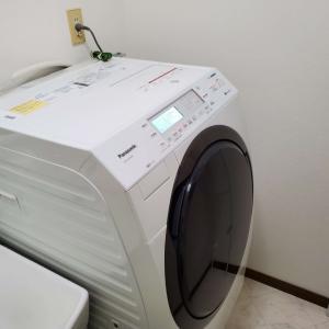 ドラム式洗濯機は洗濯パンをまたげば置ける!設置の成功と失敗談【Panasonic NA-VX700B】