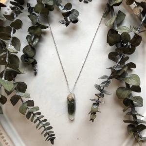 ナンバー4は人気急上昇の緑泥ヒマラヤ水晶ネックレス
