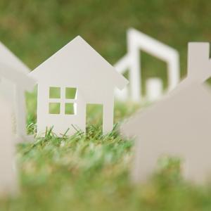 社会保険労務士(社労士)と宅建のダブルライセンスのメリット!試験内容や難易度を徹底比較!