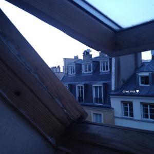 パリの屋根裏