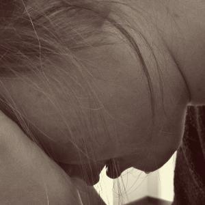 HSPを知ったきっかけは失恋。自宅療養から抜け出せない女性