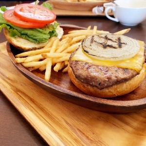 KUA `AINA(クア・アイナ)軽井沢店(長野県北佐久郡)でチーズバーガーを食べてきた!