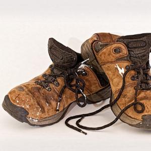 靴のクリーニング|気仙郡住田町 の料金は?カビ・臭いのリペアができる?