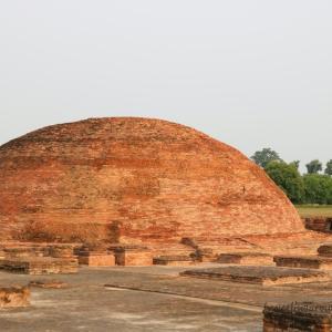 ガンジス川に臨む、ビハール州の州都パトナと仏教の聖地ヴァイシャーリー
