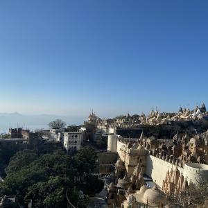 圧倒的な景観!インドの天空の寺院群パリタナ