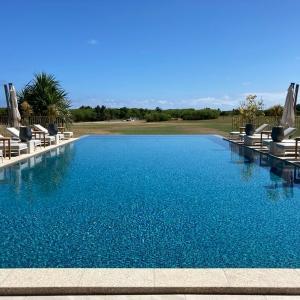 ANAインターコンチネンタル石垣リゾート 2020.7.7新館開業 新館の2つのプールとビーチ プールでのフードメニューも紹介