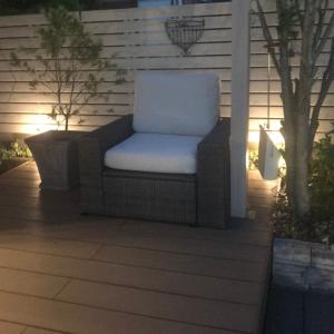人気ガーデンソファ IKEA(イケア)『SOLLERON/ソッレローン』を組み立て・ウッドデッキに設置!