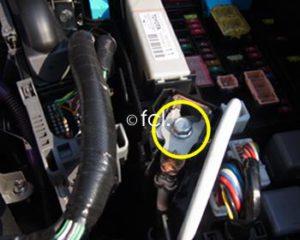 ハイブリッド車などでの電源安定リレーハーネスの電源の取り出し方