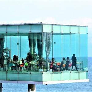 これが海に浮かぶ絶景駅カフェ?【日立駅・シーバーズカフェ】