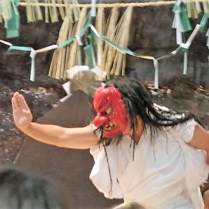 高千穂神社夜神楽のユルい神々と高千穂峡ライトアップ【宮崎県】