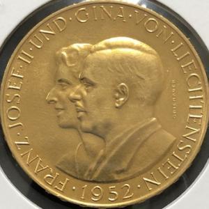 リヒテンシュタイン大型金貨の謎