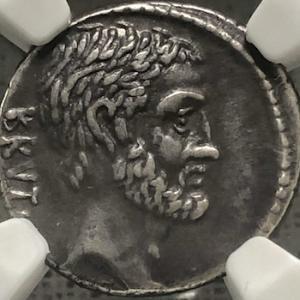 ブルータスのデナリウス銀貨