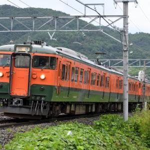 しなの鉄道 115系湘南色5連(S3編成+S25編成)を撮りました・・・ ☆小雨の中、いつものポイントで。