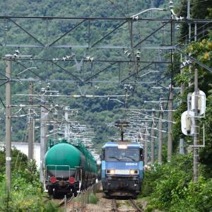 EH200 BlueThunder 貨物列車のすれ違いを撮りました!・・・ ☆すれ違いのことを、「離合」ともいうらしい?