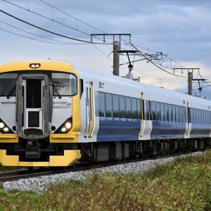 E257系 NB-11編成 団体臨時列車を撮りました・・・ ☆にわか雨が止んで、虹が出て、日が射して・・・