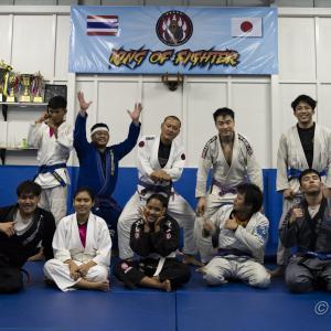 ブラジリアン柔術:シーラチャ・シーフード柔術の練習
