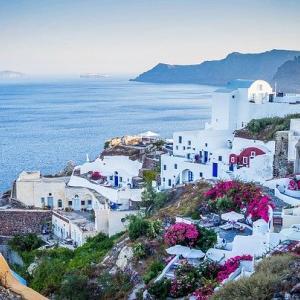 「石原さとみのすっぴん旅inギリシャ」で着ていたラベンダー色のセットアップが可愛い!どこのブランド?