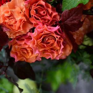 【体験レッスン】ハロウィン色のラウンドブーケ|花のある日常