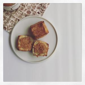 酵母スコーンと、ピーナッツバター