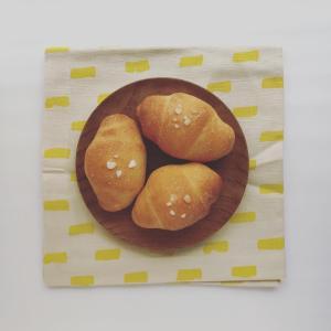 バターとワッフルシュガー のパン