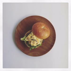 ベーグルの卵サンド