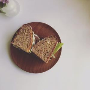スペルト小麦全粒粉のサンドイッチと、お弁当