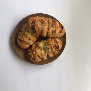 キーマカレーチーズのパンとお弁当