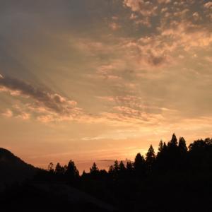 日没からが鮮やかな夕焼けに ♬