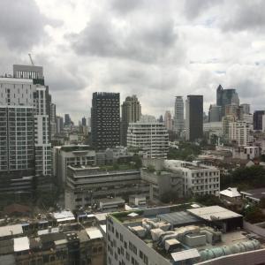 """vol97 """"サバイサバイ""""なオフィスライフ8時間。タイ人と働くってどんな感じ?"""