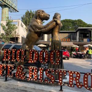 vol161 バンコクBig Dog Cafeで大型犬と戯れる@タイカルチャーセンター駅