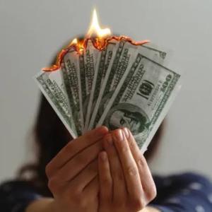 【FIRE】7月の資産収支は初のマイナスに転落・・・
