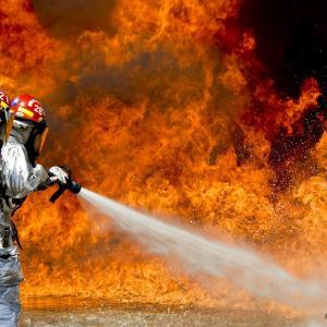焚き火は後始末まできっちりと!残り火の処理方法は単純な2パターン!