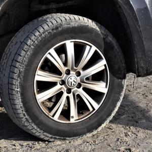 車のタイヤのナットが外れない!そんな時はどうすればいい?