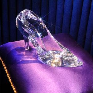 """なぜ """"ガラスの靴"""" は魔法が解けなかったのか。"""