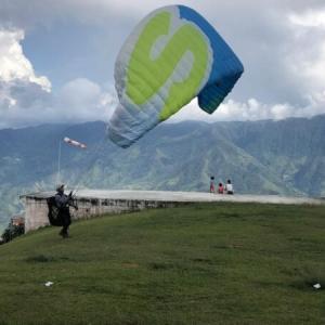 コロンビアで空を翔ぶ